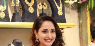 Pragya Jaiswal Inaugurates Hiya Designer Jewellery
