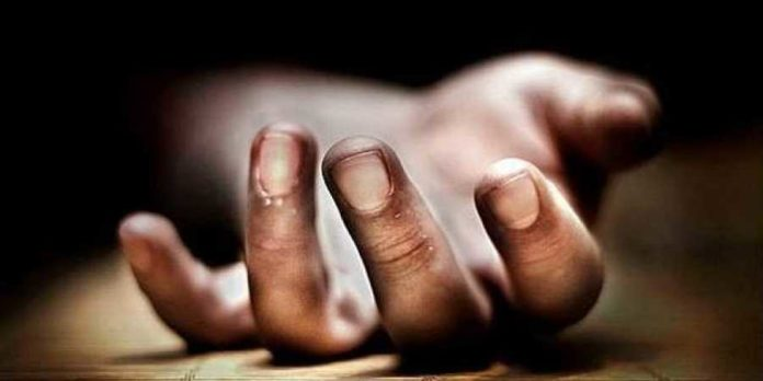 Couple Fights For Amma Vodi's Money, Wife Commits Suicide.