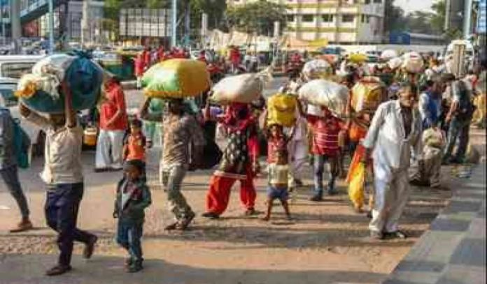 Hyderabad Migrants Who Arrived At The Railway Station Get Disappointed