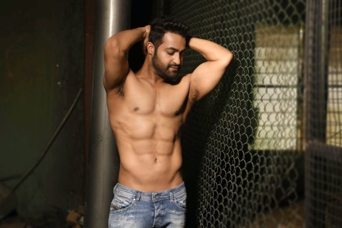 This Shredded Pic Shared By Celebs On Tarak's Birthday Is Setting The Internet On Fire!