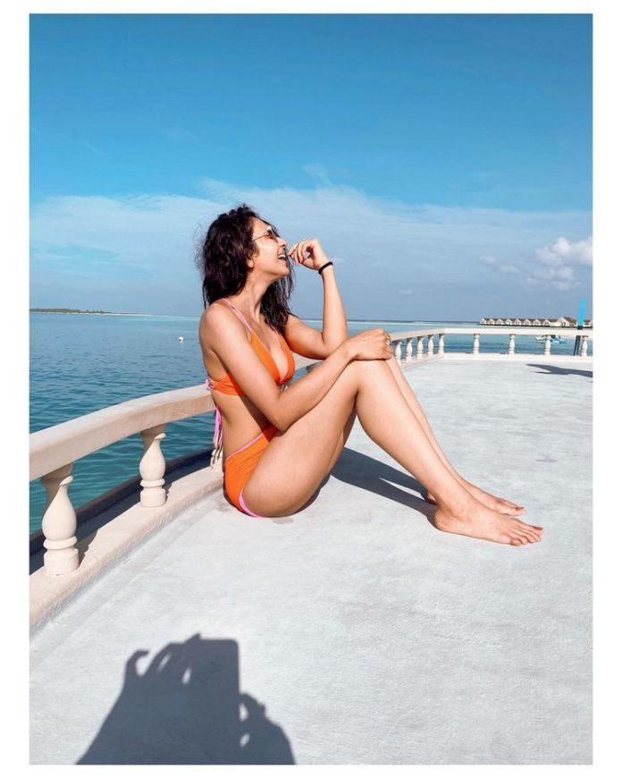 Rakul Preet Raises The Temperature With Her Bikini Act