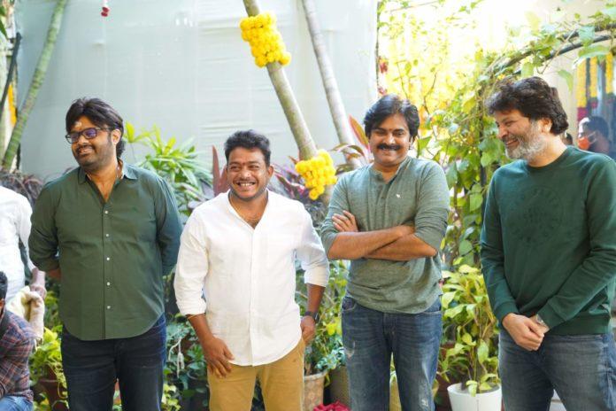 Ayyappanum Koshiyum remake glimpse: Pawan Kalyan and Trivikram in action