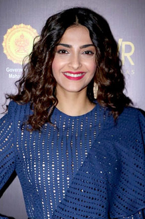 Sonam Kapoor Shares About Her Suffering From Wounds While Shooting For 'blind'