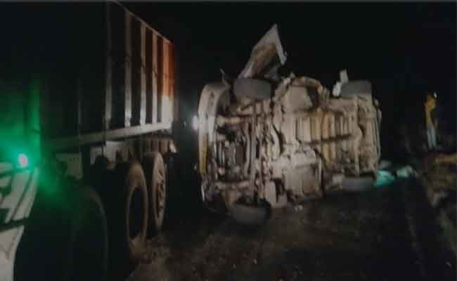 14 killed in a road accident in Kurnool district