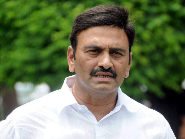 YCP MP Raghurama filed a petition in HC seeking cancelation of Jagan's bail