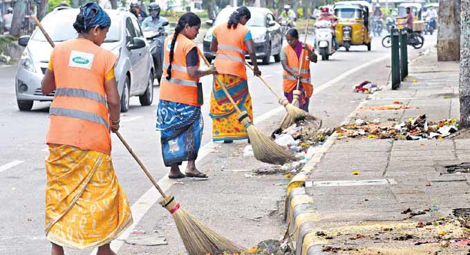 Covid-19: Ghmc Compels Sanitisation Workers To Pick Garbage Without Safety Gear