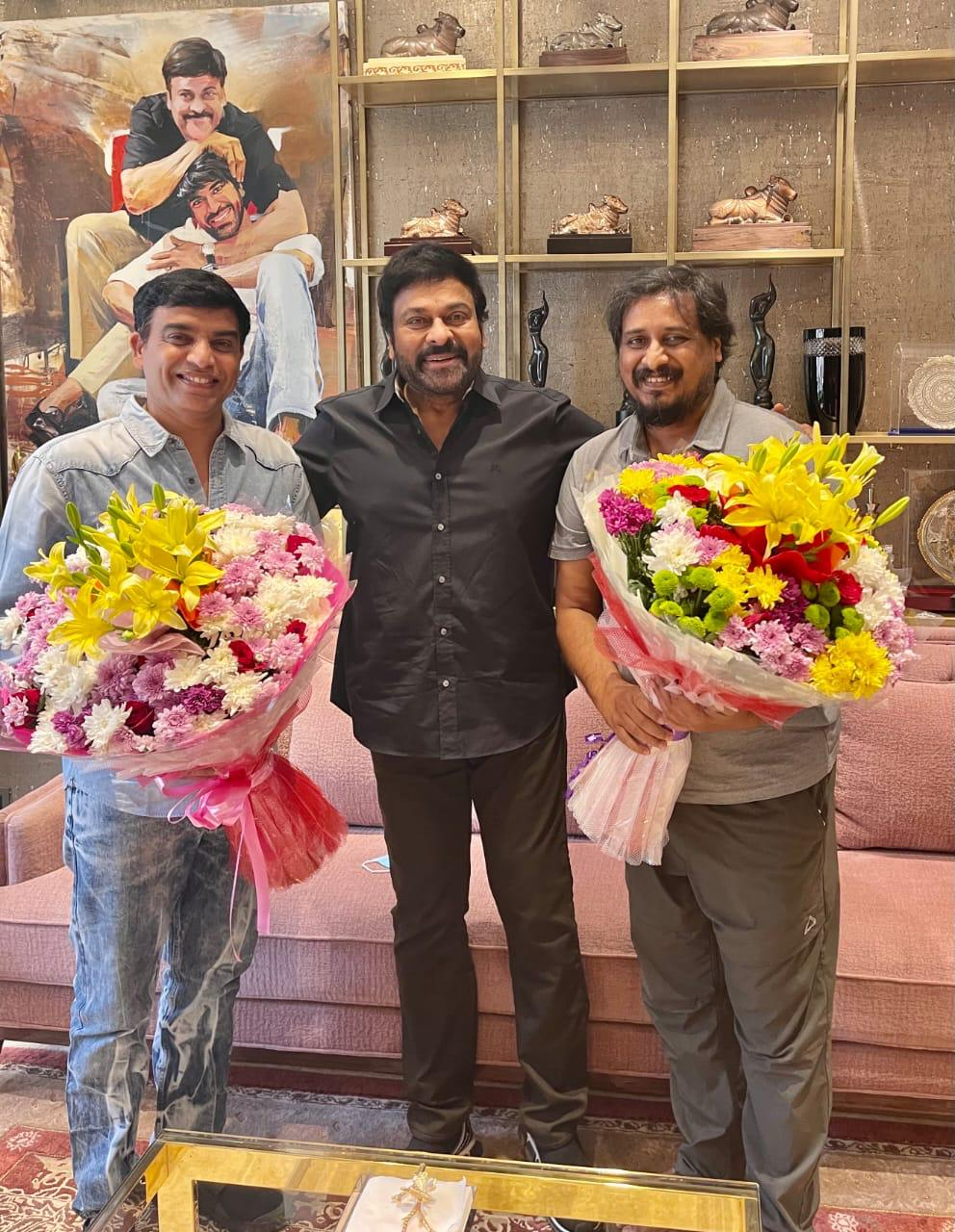 Chiru Congratulates 'vakeel Saab' Dil Raju And Director Sriram Venu