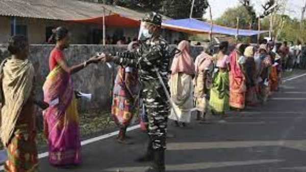 West Bengal: Five voters were killed in CISF firing at the polling station