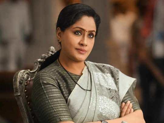 Vijayashanti responds to allegations on Minister Etela Rajender