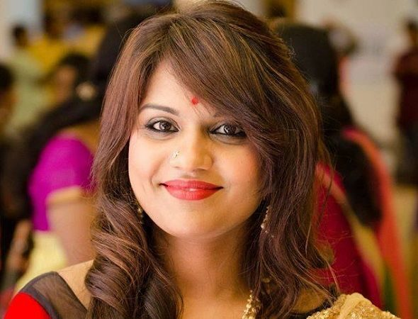 Telugu Bigg Boss Lady Joins Telangana Congress