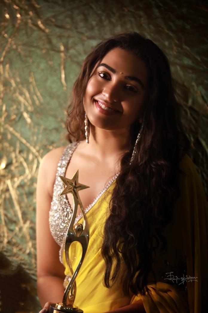 Pic Talk: Shivathmika Sizzles In Saree